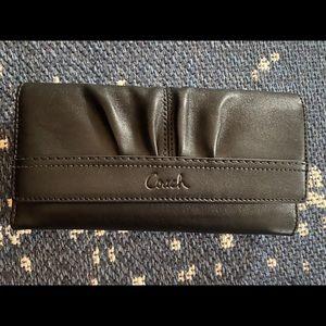 Coach leather wallet - black